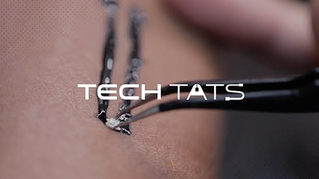 Tech Tats funções vitais tatuagem