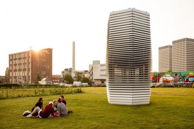 Daan Roosegaarde smog free tower