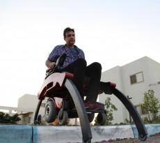 descer degrau cadeira de rodas